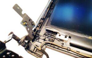 Laptop scharnier kapot afgebroken scharnier